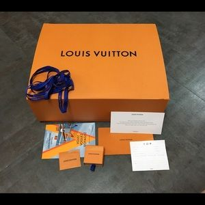 LOUIS VUITTON 20x16x7 Box with Cards & Ribbons